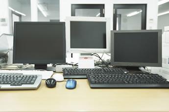 並んだパソコン